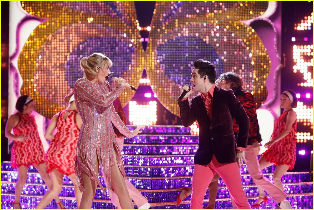taylor swift brendon urie the voice finale 04