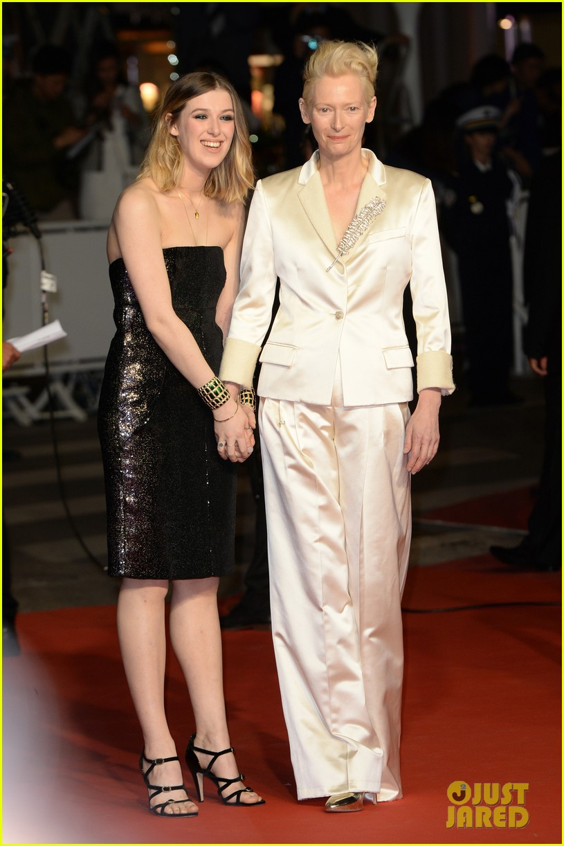 tilda swinton daughter honor parasite screening cannes film festival 05