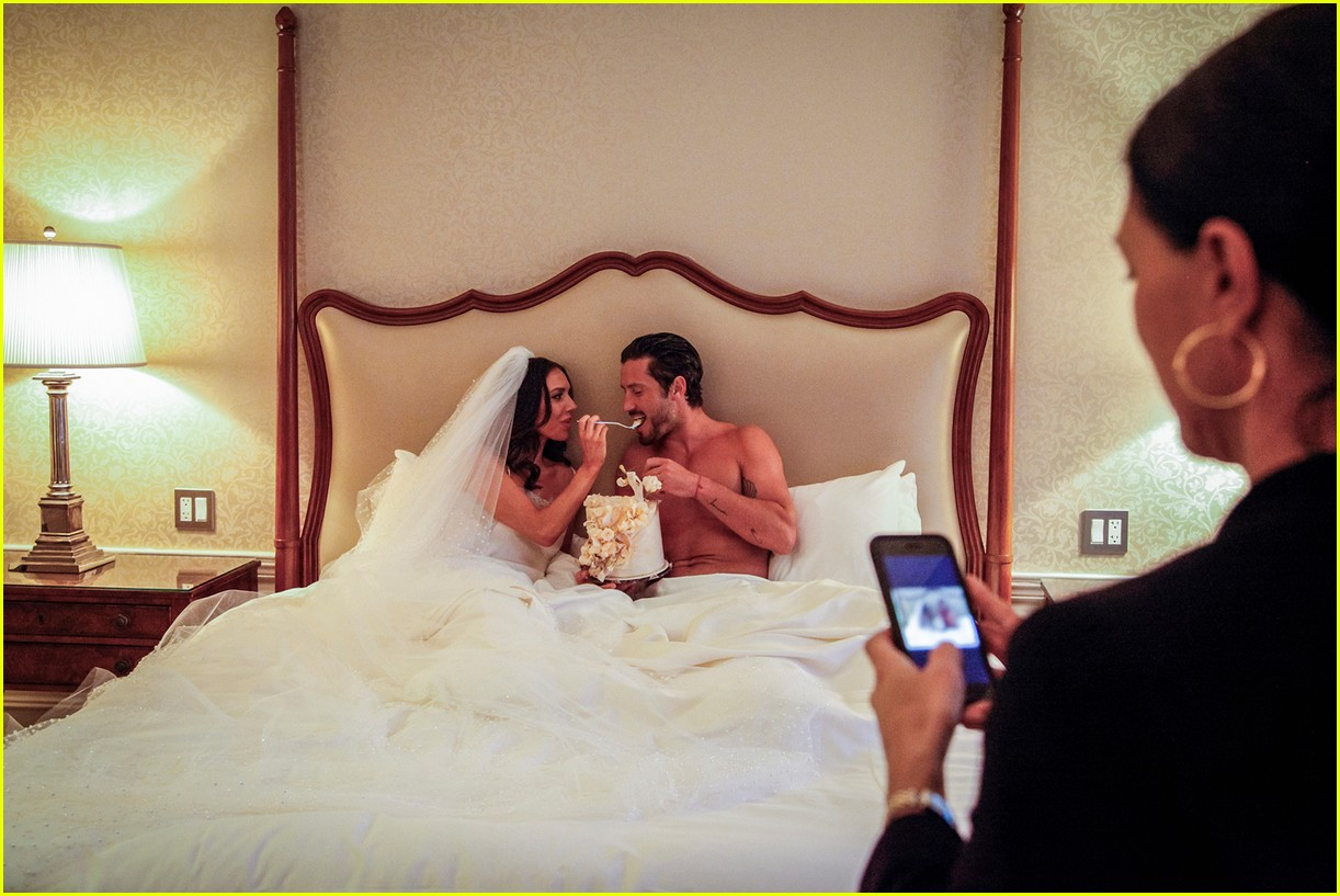 val chmerkovskiy jenna johnson newlyweds shoot 02