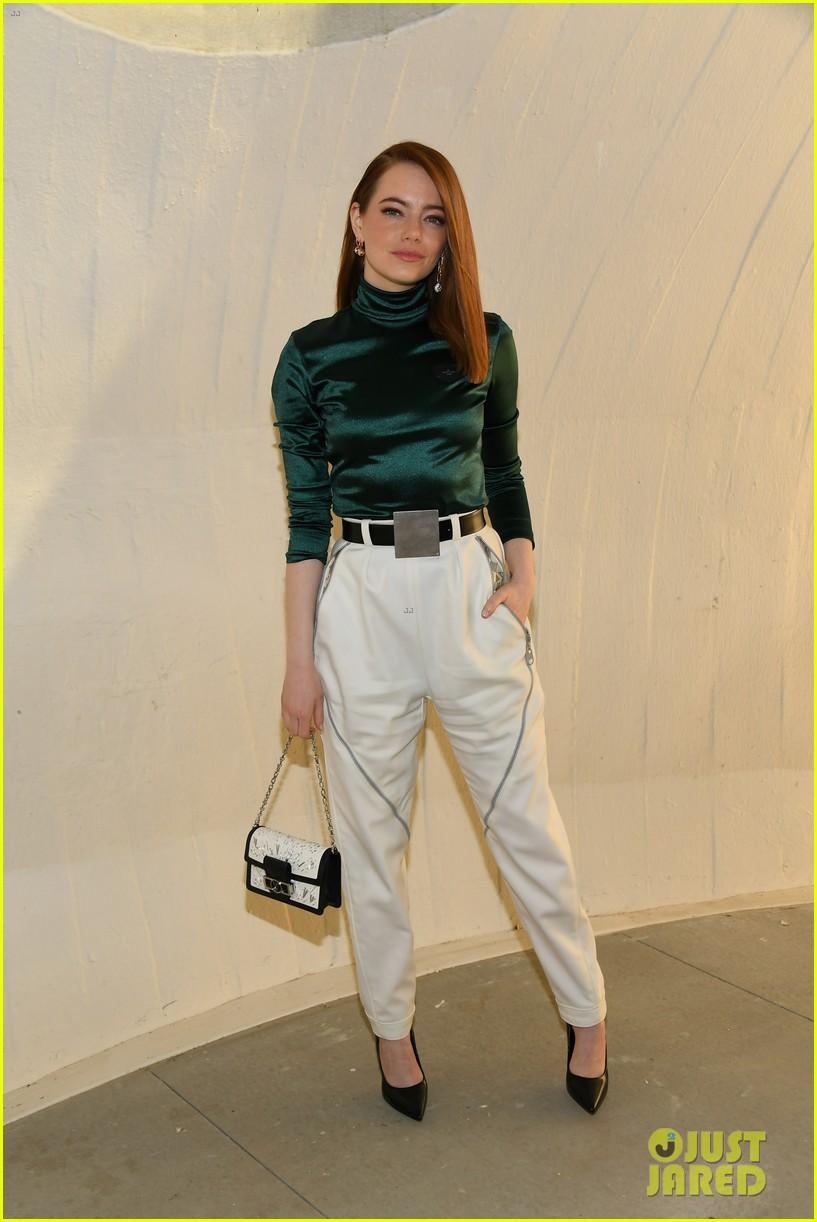 michelle williams alicia vikander emma stone louis vuitton fashion show 16