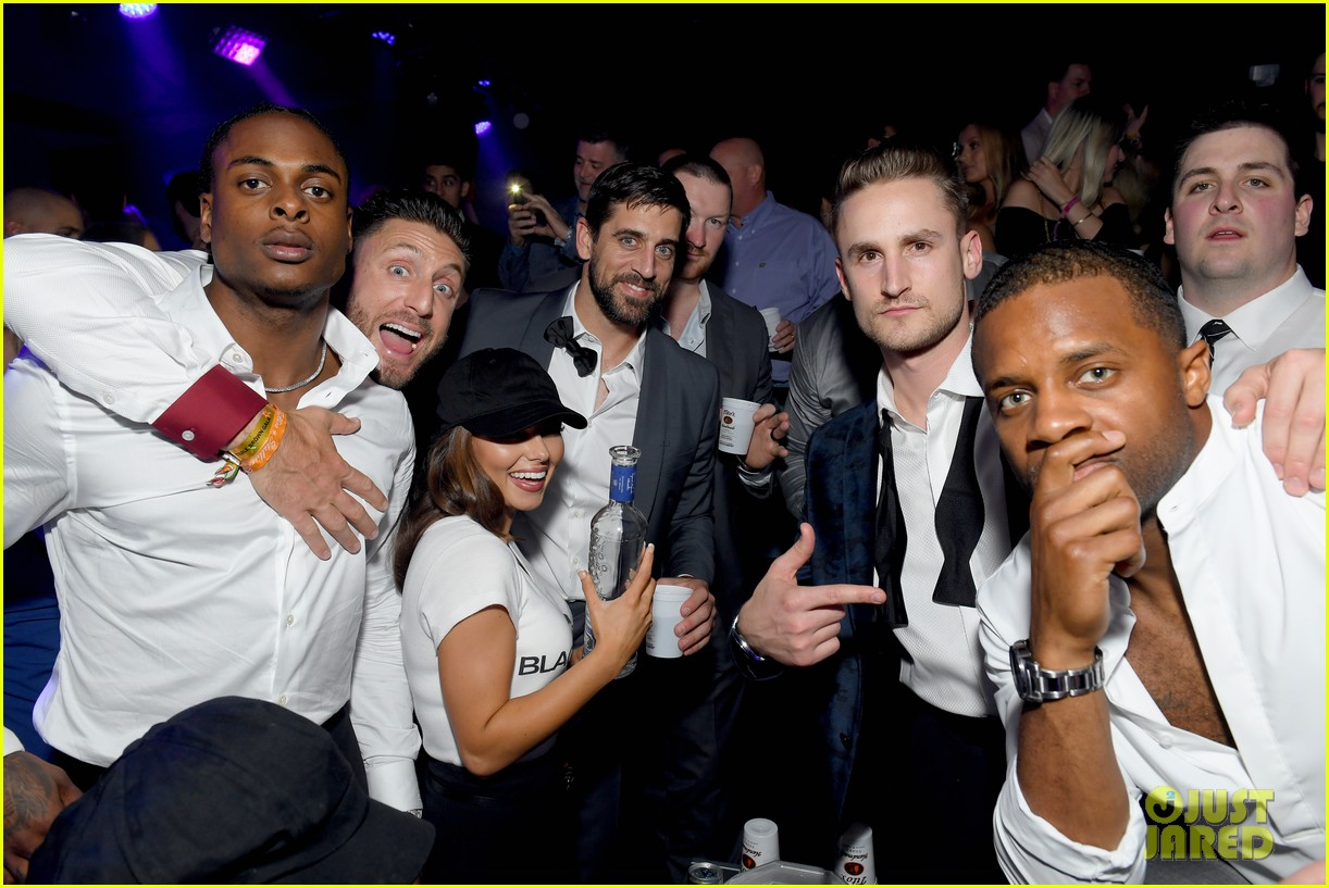 wilmer valderrama stephen amell pre kentucky derby party 044283072
