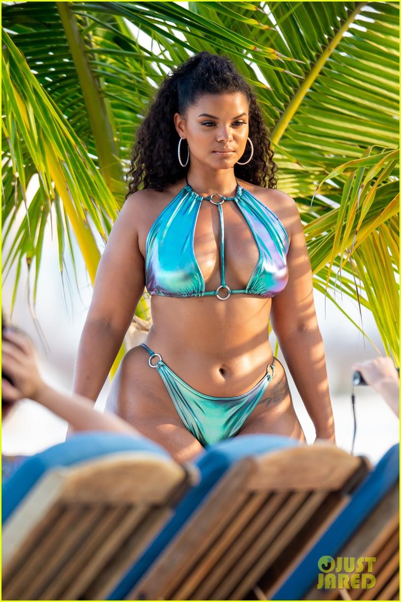 ashanti wears sexy bikinis in florida 074308850