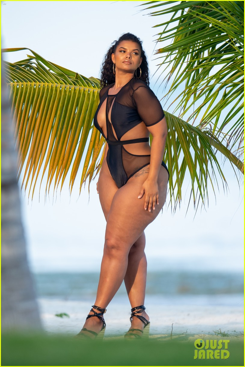 ashanti wears sexy bikinis in florida 104308853