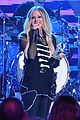 avril lavigne accepts special honor at ardys 2019 03