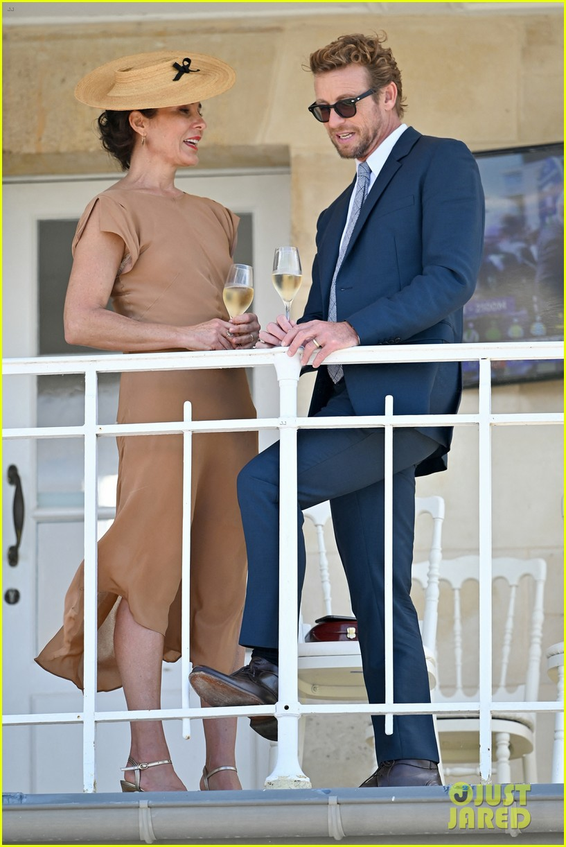 simon baker wife rebecca rigg couple up at prix de diane 2019 044310917