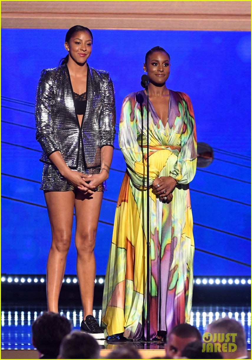 kate beckinsale issa rae maria menounos dazzle at nba awards 2019 254313739