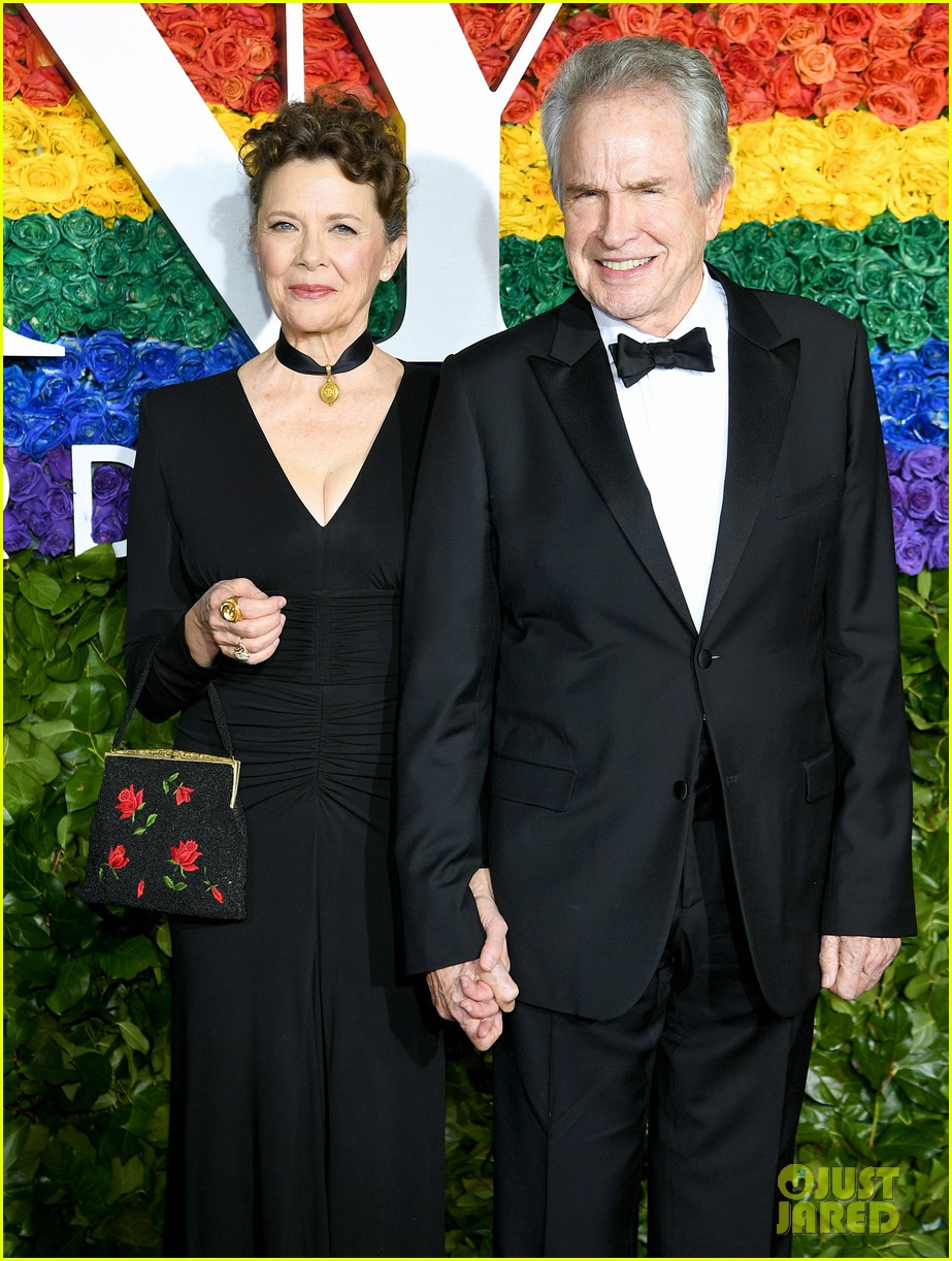annette bening supported by warren beatty at tony awards 01