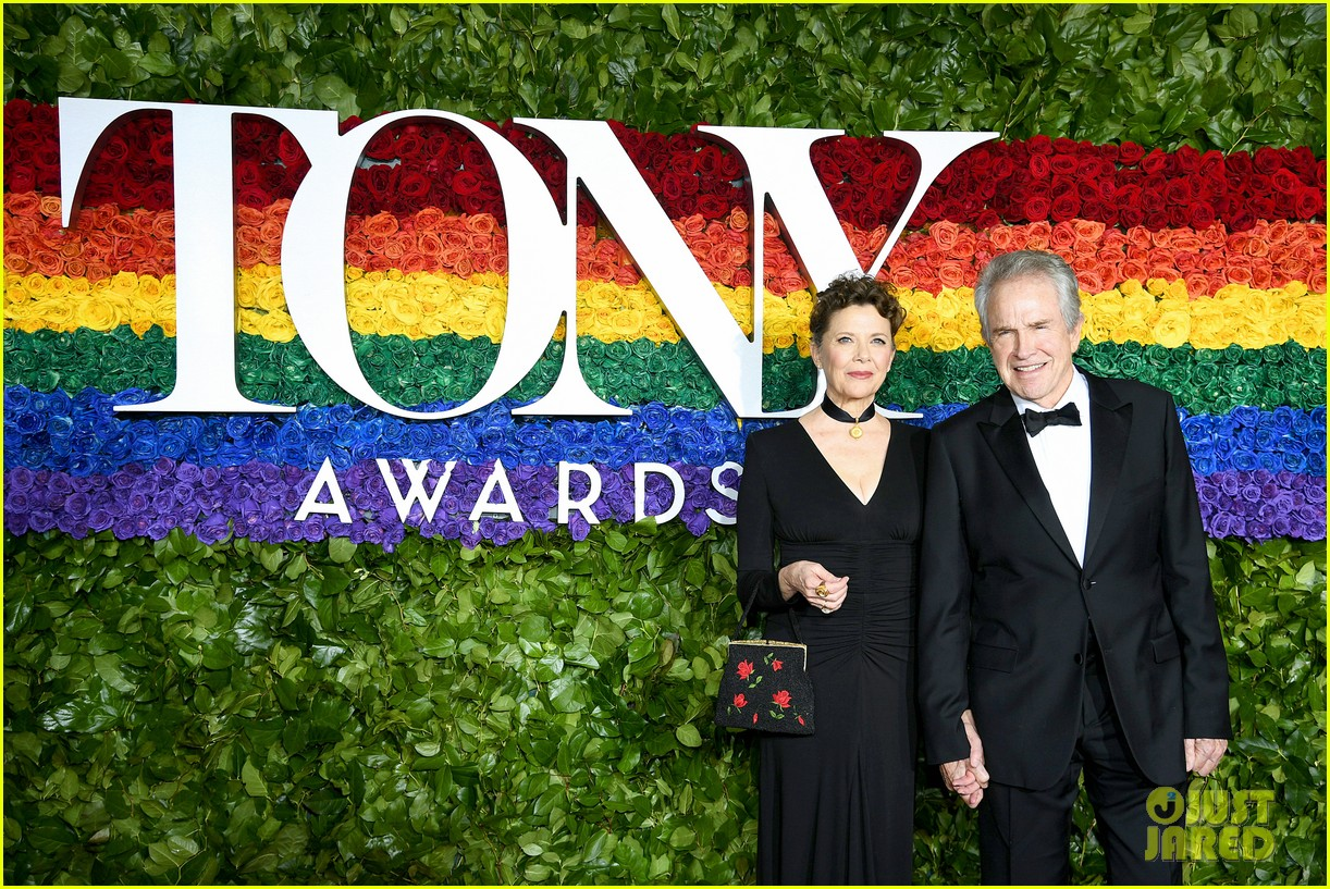 annette bening supported by warren beatty at tony awards 03