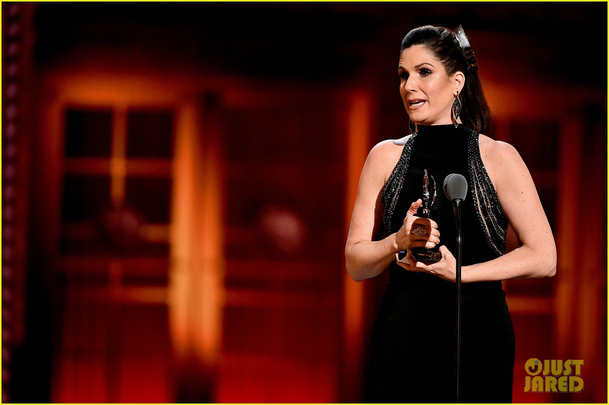 stephanie j block tony win standing ovation 134308192