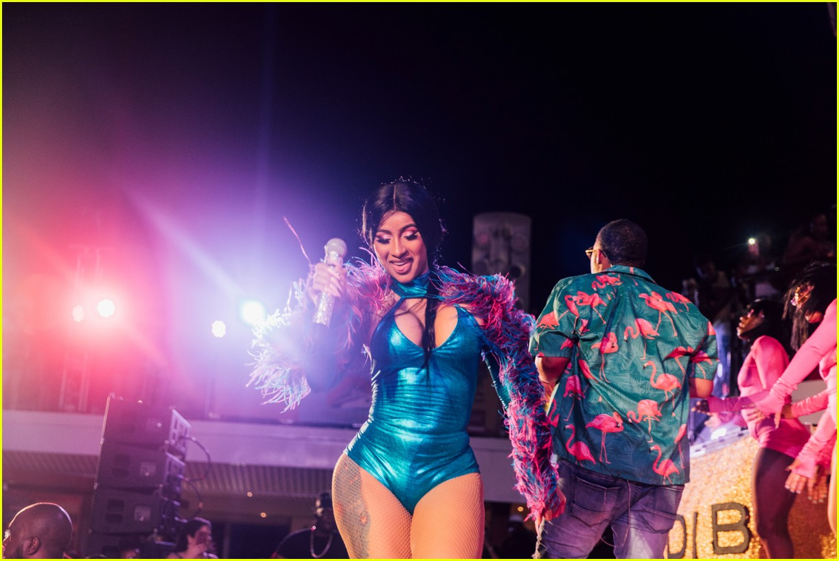 cardi b performs on cruise ship 04
