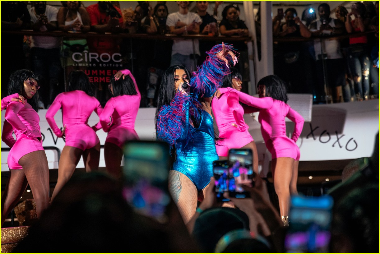 cardi b performs on cruise ship 15