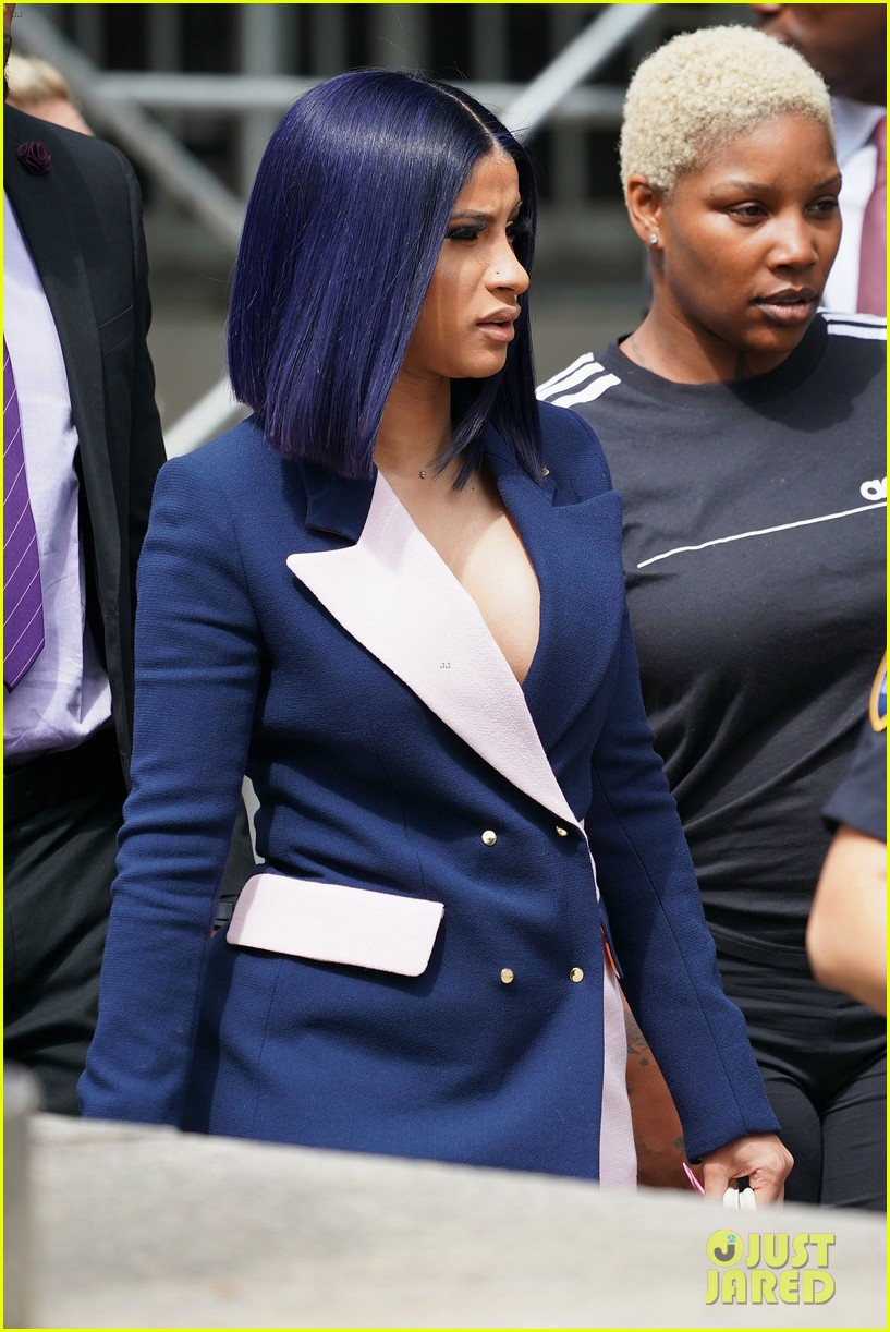 cardi b pleads not guilty to assault charges 02