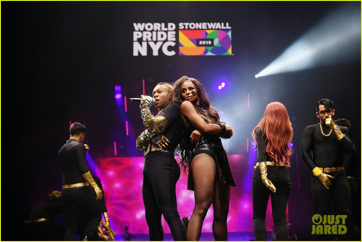 ciara billy porter laverne cox celebrate worldpride nyc 2019 opening ceremony 02