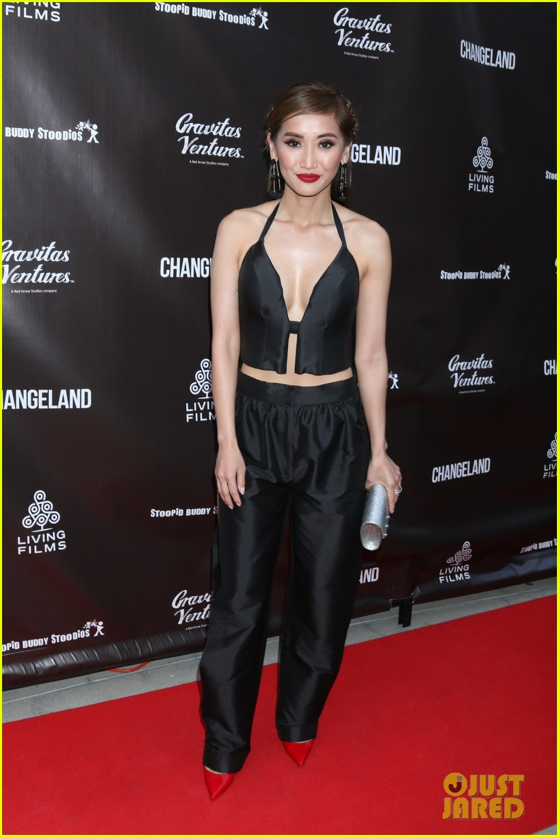 macaulay culkin girlfriend brenda song step out together for changeland premiere 014303055