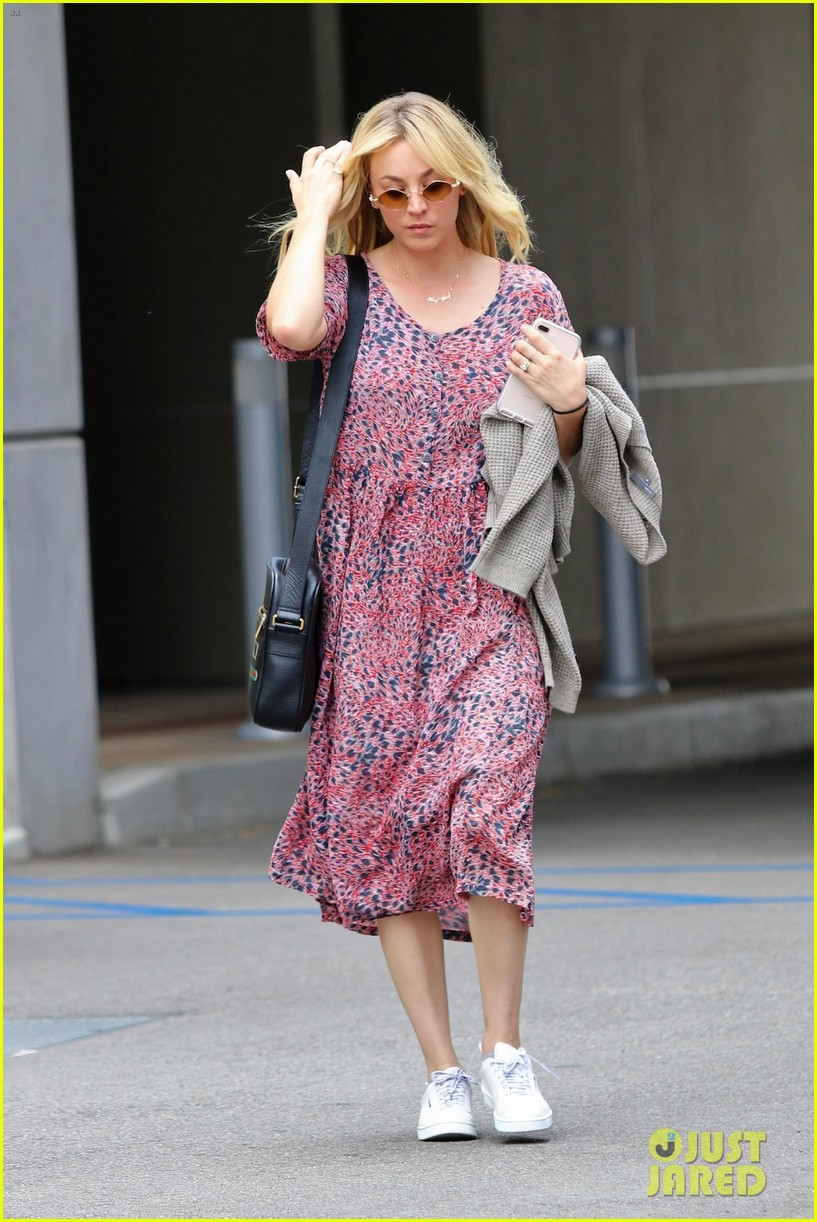 kaley cuoco goes pretty in pink for day out in la 034314796