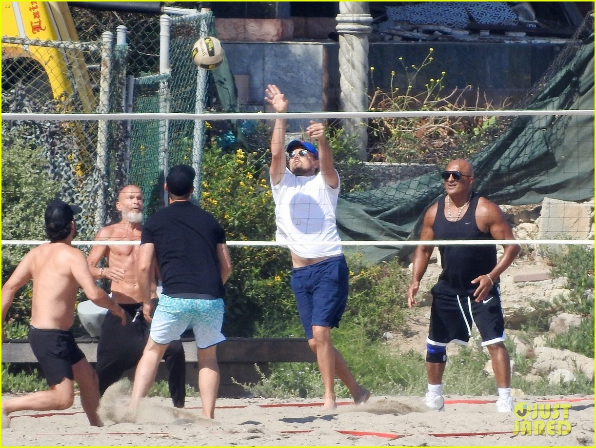 leonardo dicaprio gets hit in the face with a volleyball 07