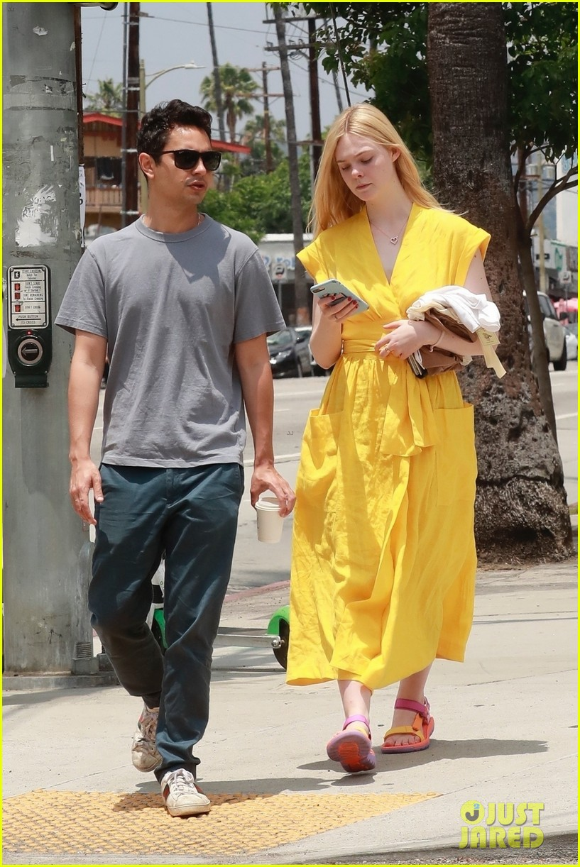 elle fanning holds hands max minghella shopping 014310262