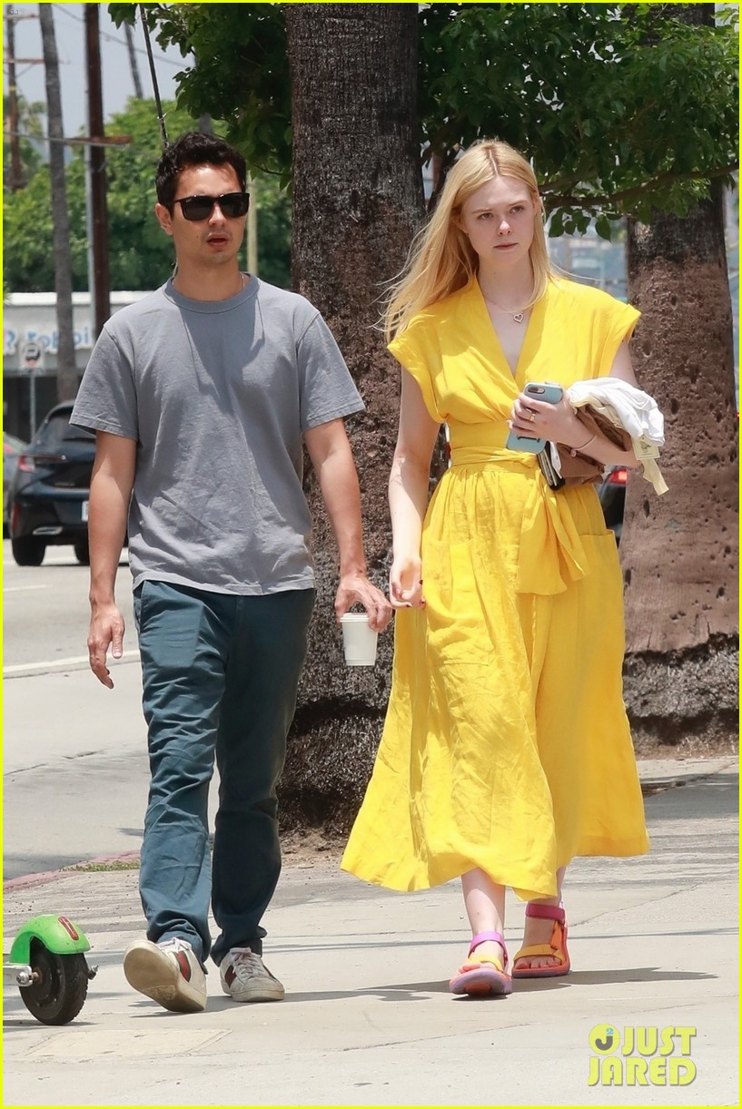 elle fanning holds hands max minghella shopping 044310265
