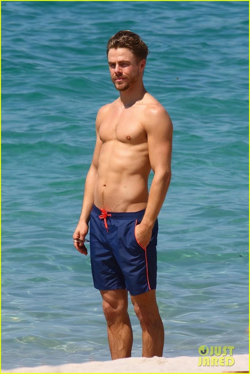 shirtless derek hough hits the beach with girlfriend hayley erbert 01