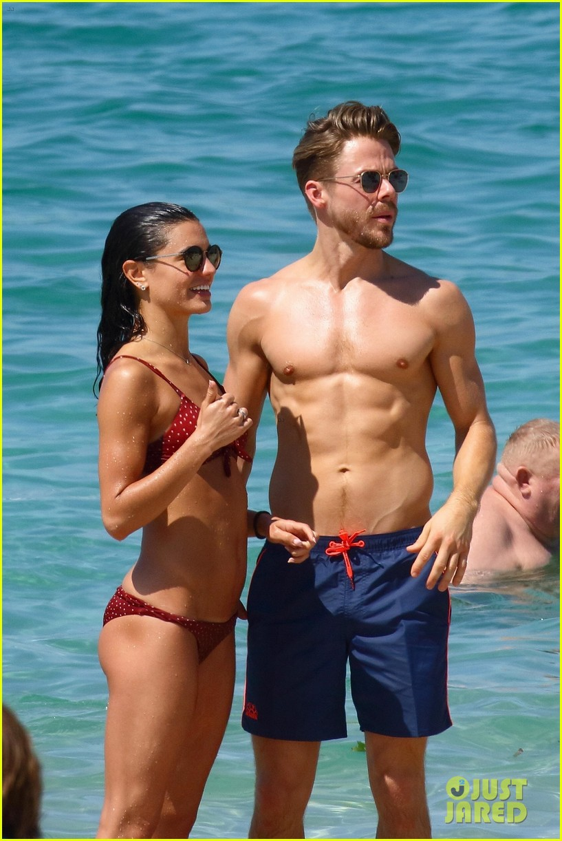 shirtless derek hough hits the beach with girlfriend hayley erbert 02
