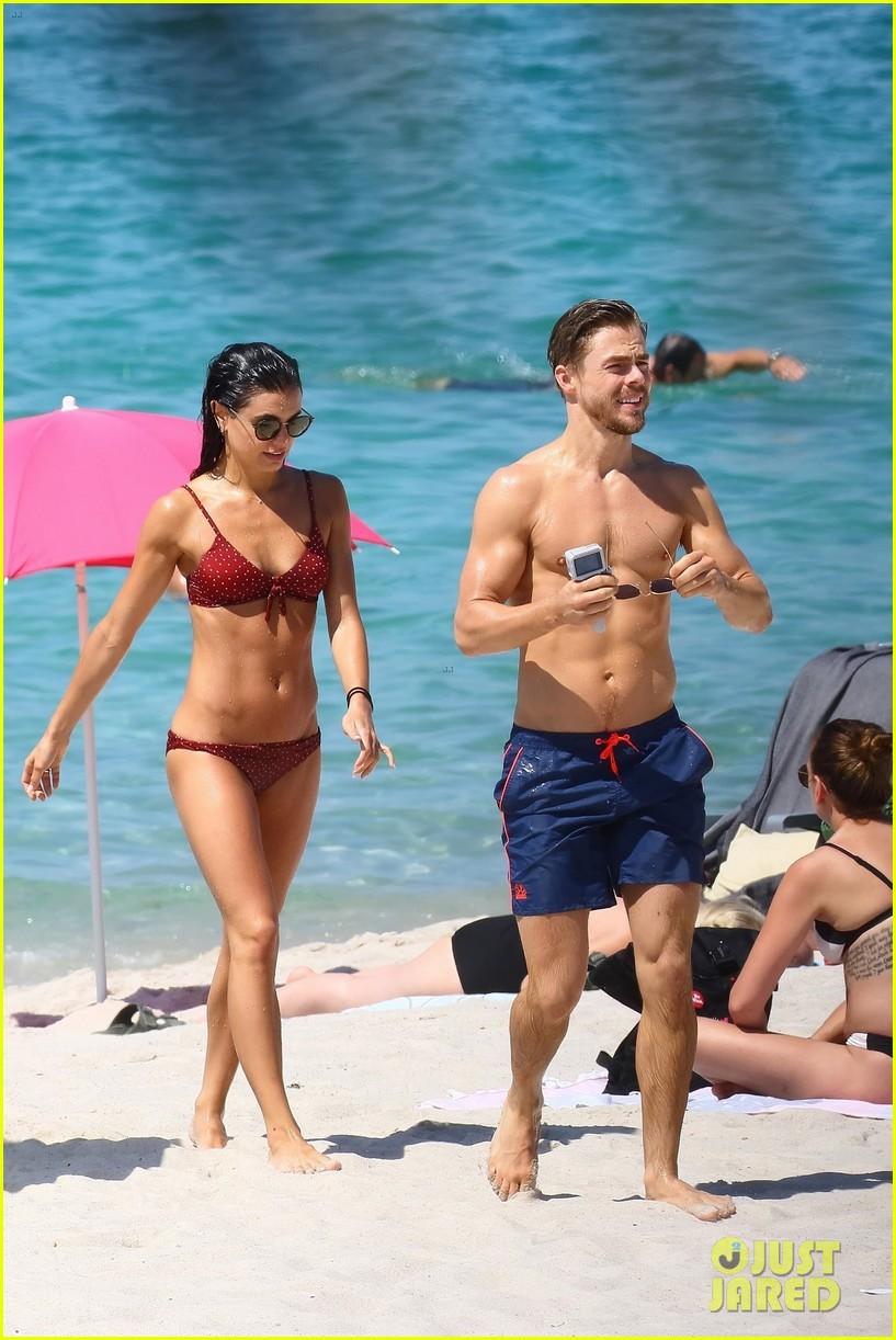 shirtless derek hough hits the beach with girlfriend hayley erbert 05