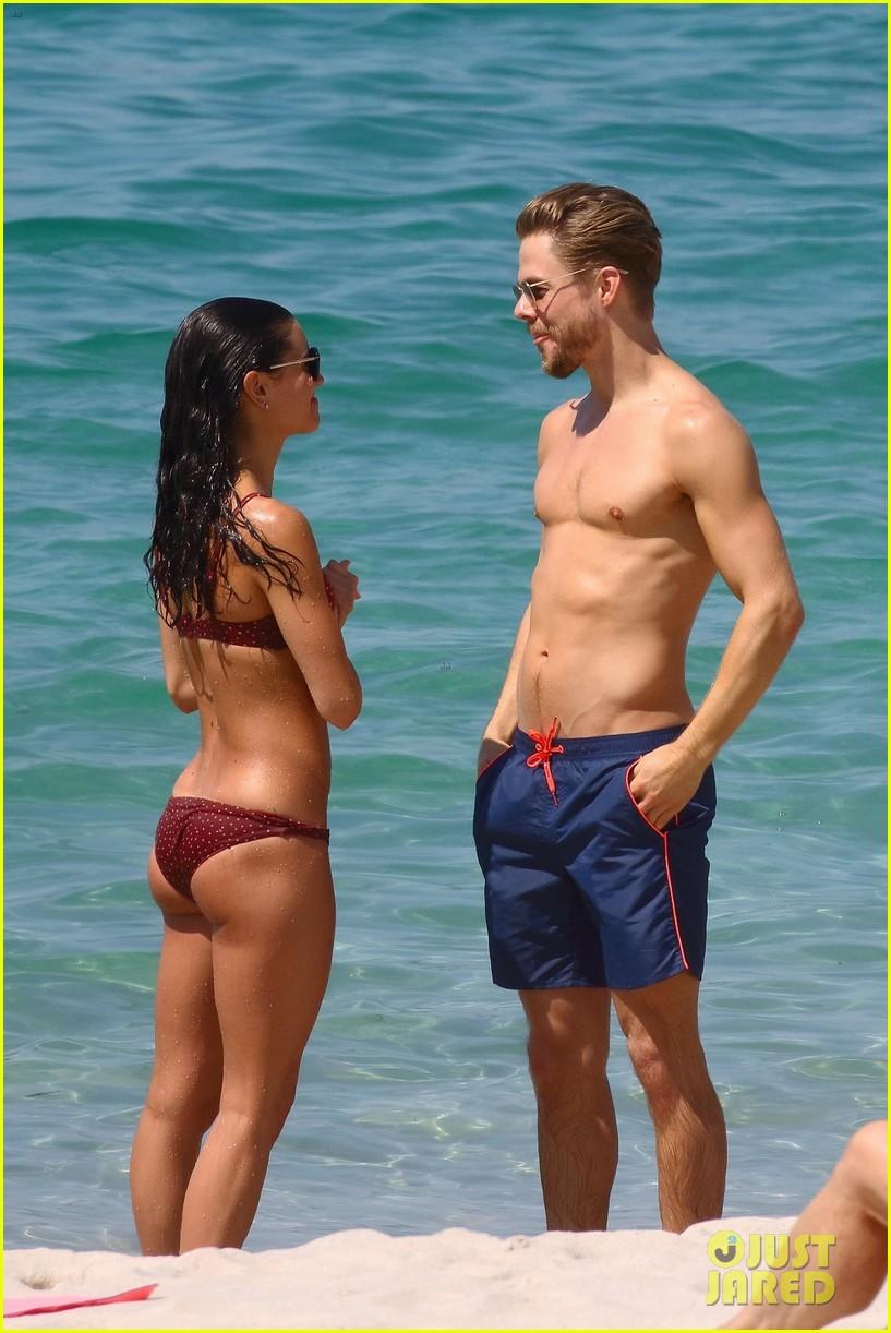 shirtless derek hough hits the beach with girlfriend hayley erbert 11