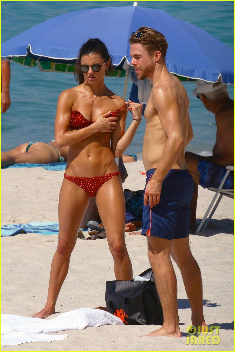 shirtless derek hough hits the beach with girlfriend hayley erbert 12