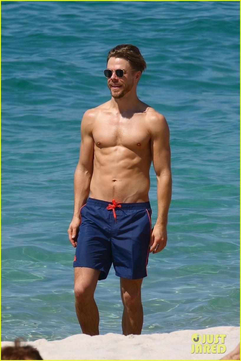 shirtless derek hough hits the beach with girlfriend hayley erbert 13