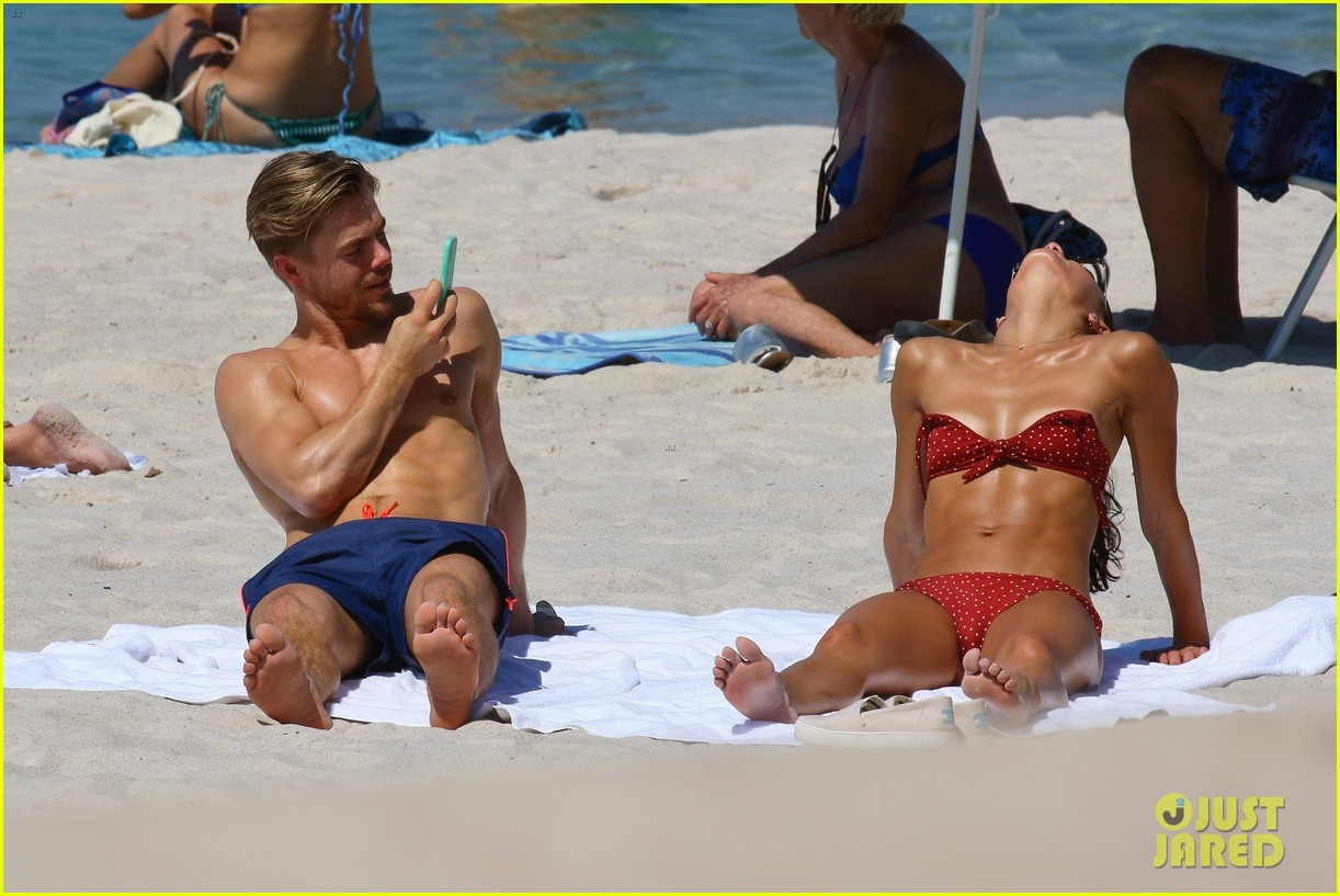 shirtless derek hough hits the beach with girlfriend hayley erbert 354312795