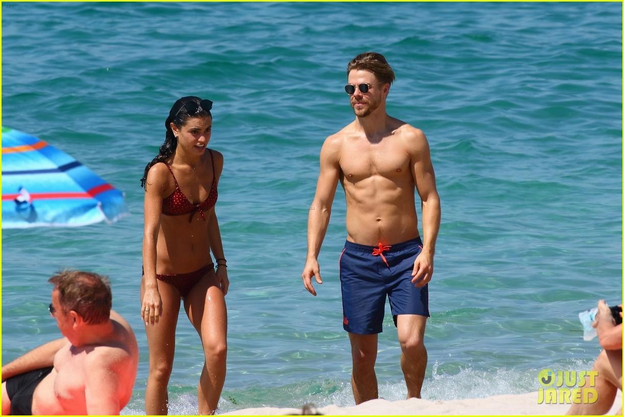shirtless derek hough hits the beach with girlfriend hayley erbert 464312806