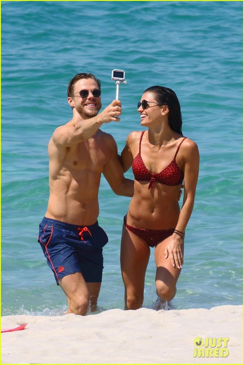 shirtless derek hough hits the beach with girlfriend hayley erbert 634312823