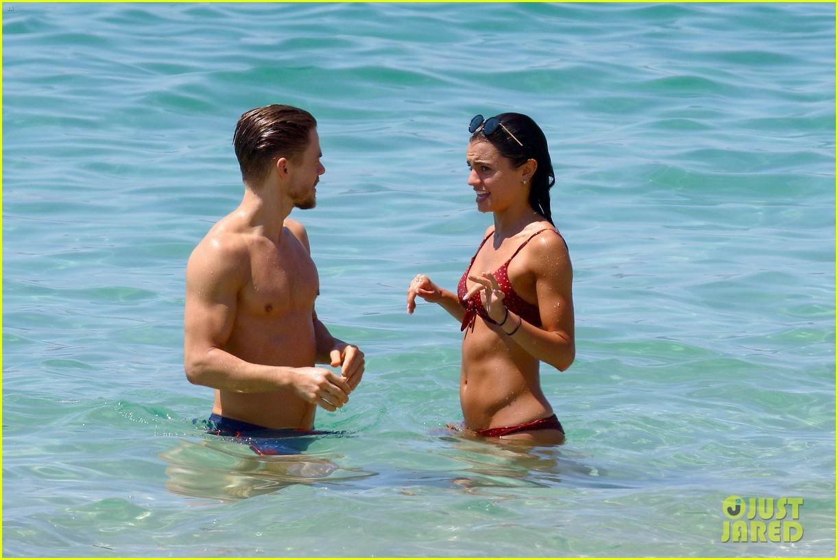 shirtless derek hough hits the beach with girlfriend hayley erbert 784312838