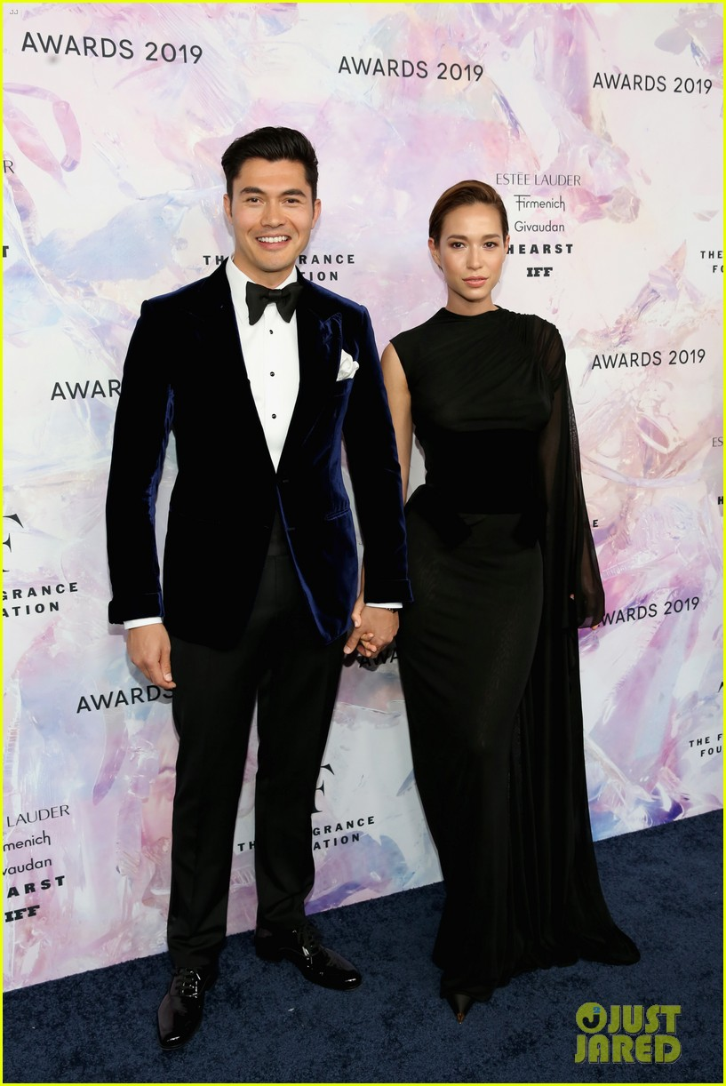 henry golding wife liv lo couple up at fragrance foundation awards 2019 124304342