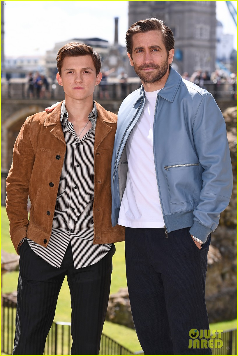 tom holland jake gyllenhaal zendaya reunite at spider man far from home london photo call 014310888
