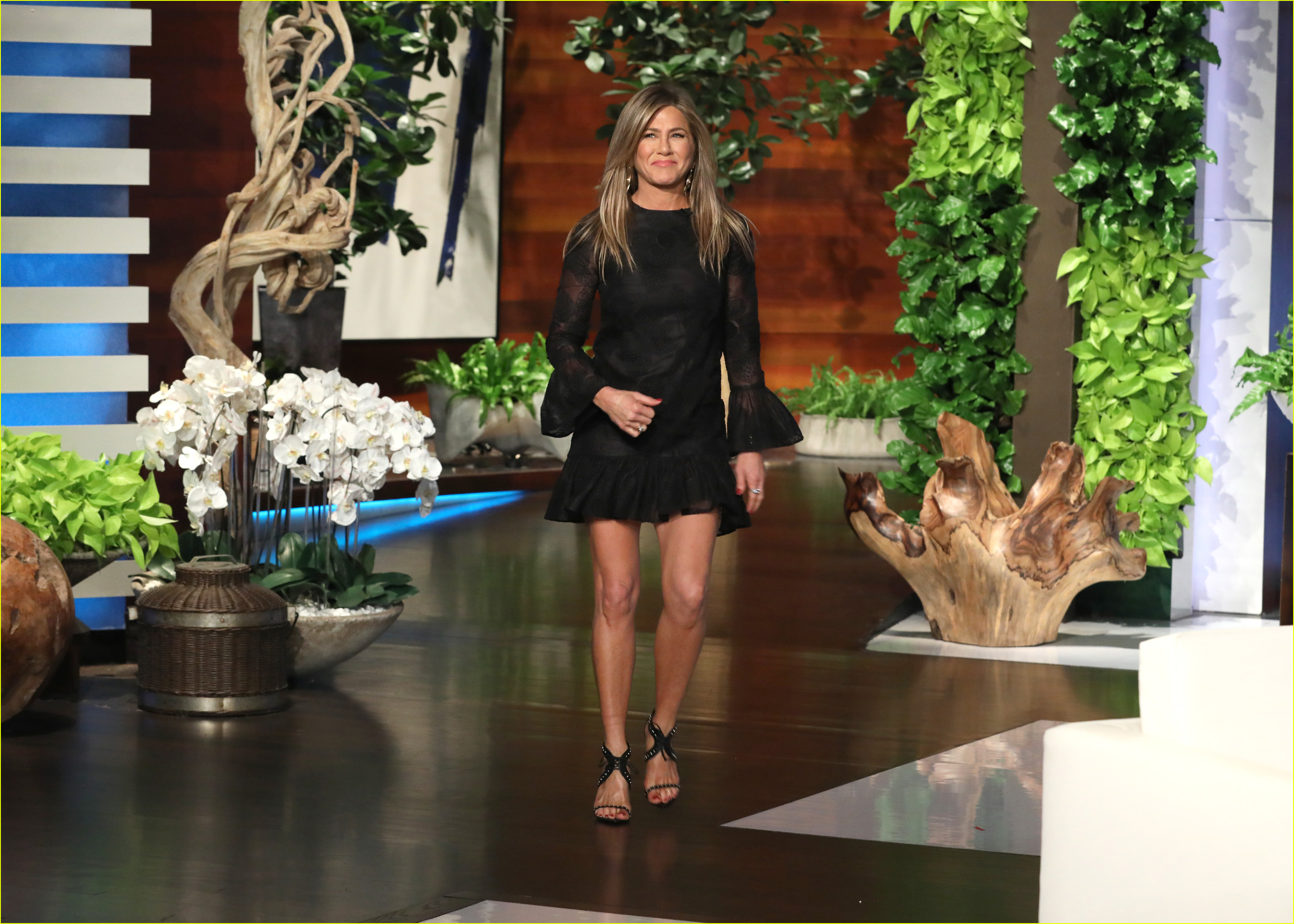 jennifer aniston reveals first time from after scary emergency landing 024303639