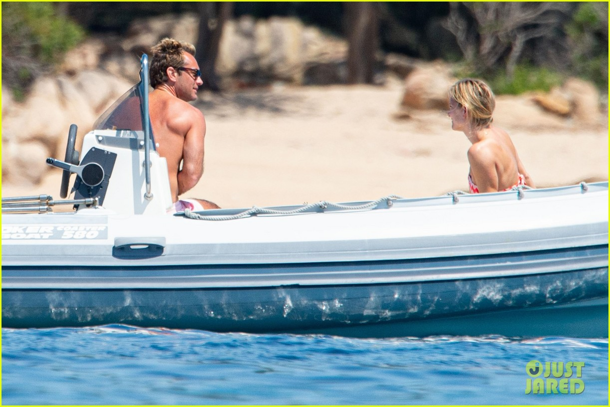jude law shirtless on honeymoon with phillipa coan 13