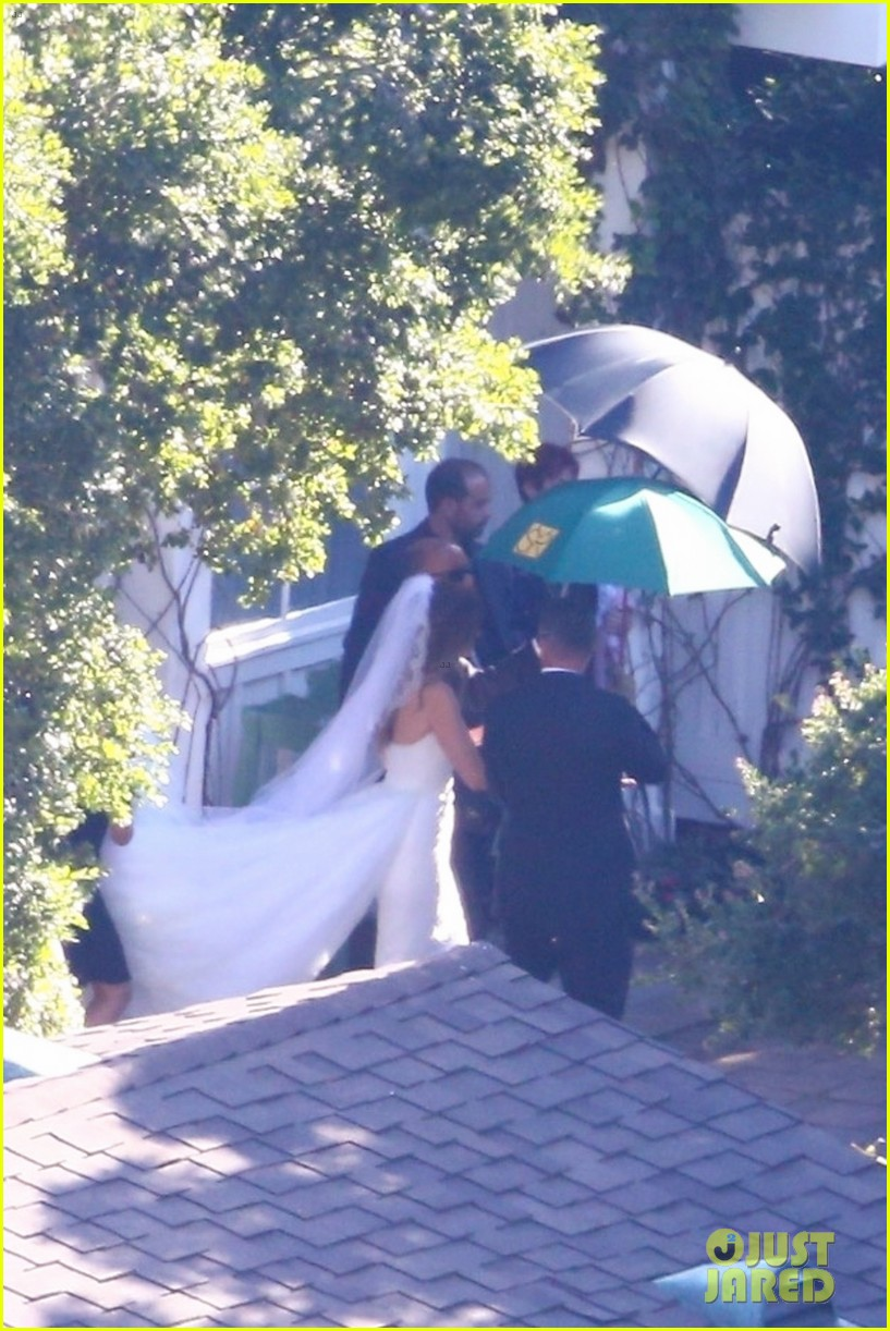 katherine schwarzenegger wedding dress chris pratt 02