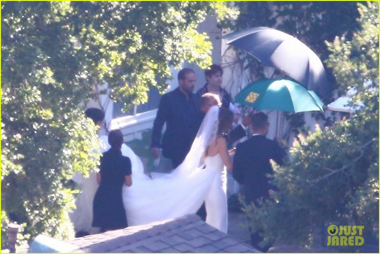 katherine schwarzenegger wedding dress chris pratt 04