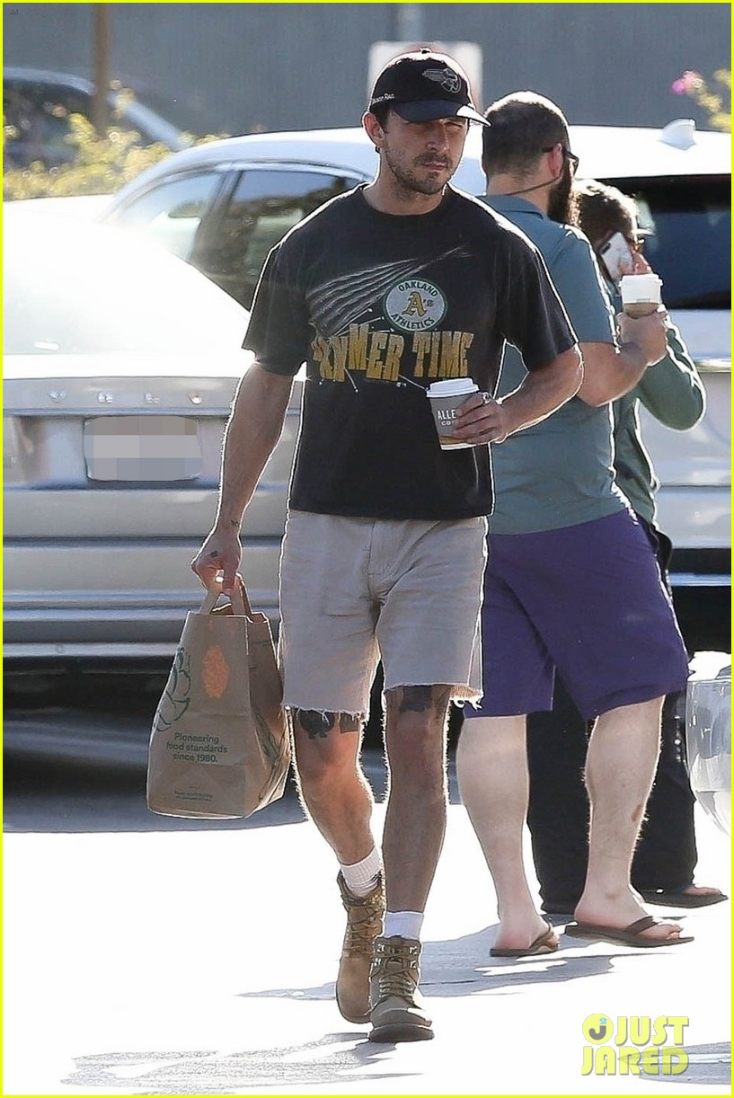 shia labeouf does some grocery shopping at whole foods 024307751