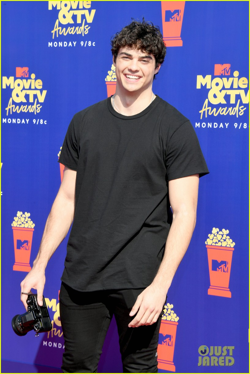 noah centineo lana condor mtv movie tv awards 114310456