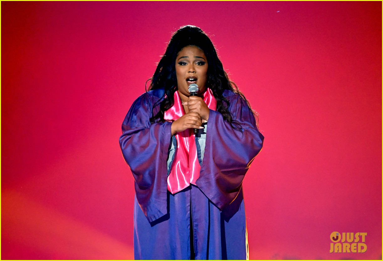 lizzo channels sister act 2 with juice performance at mtv awards 2019 014311321