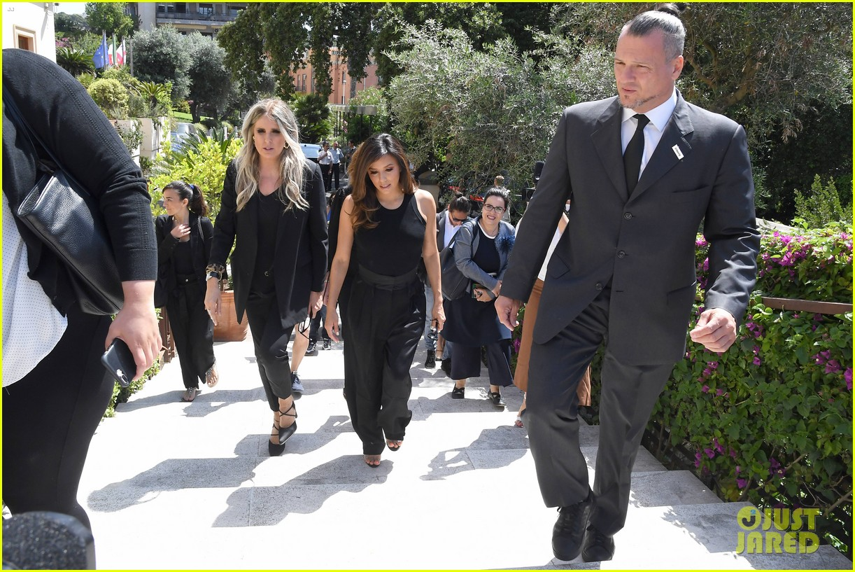 eva longoria dons chic black ensemble at filming italy sardegna festival 124309367