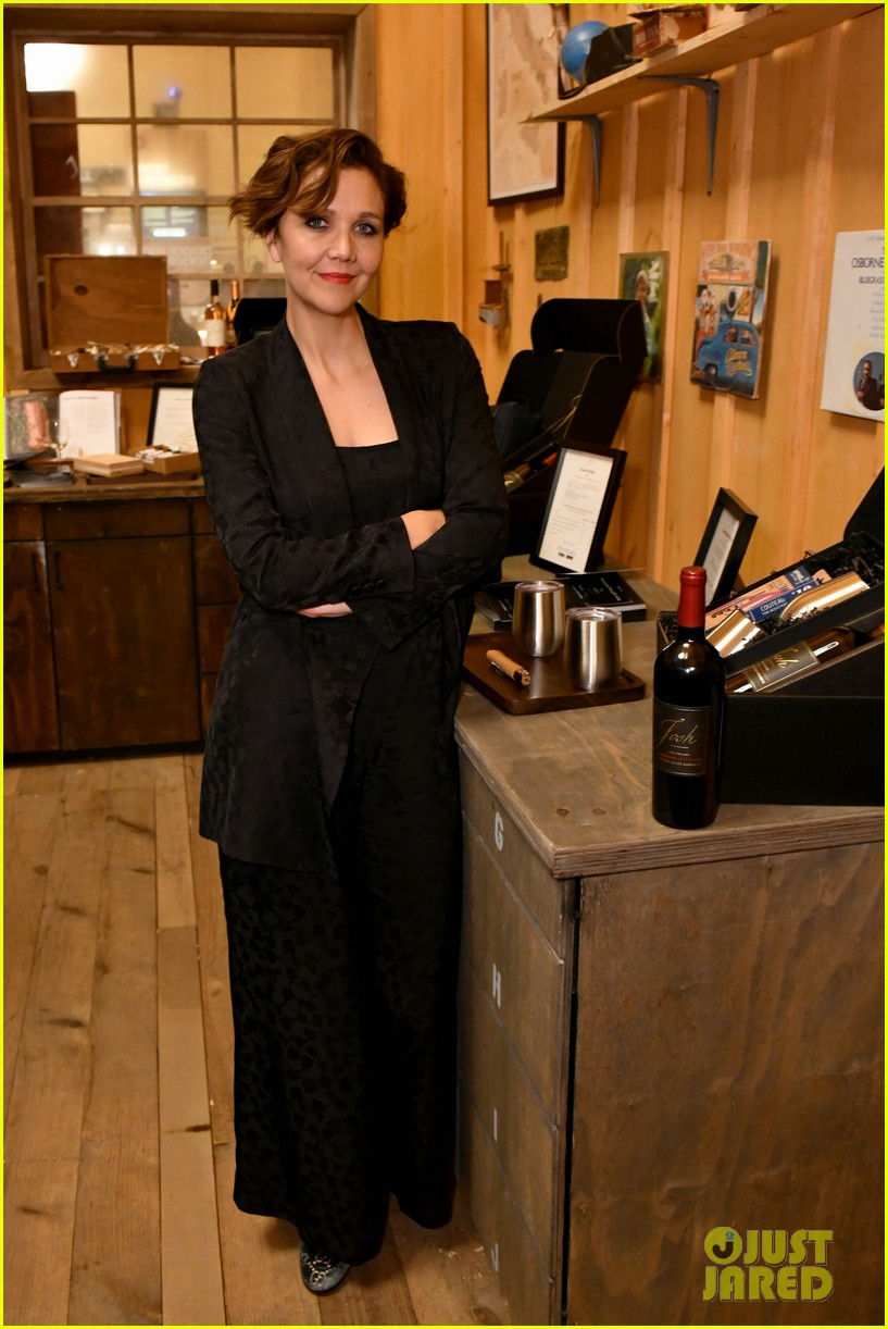 maggie gyllenhaal steps out for josh cellars fathers day event 014308375