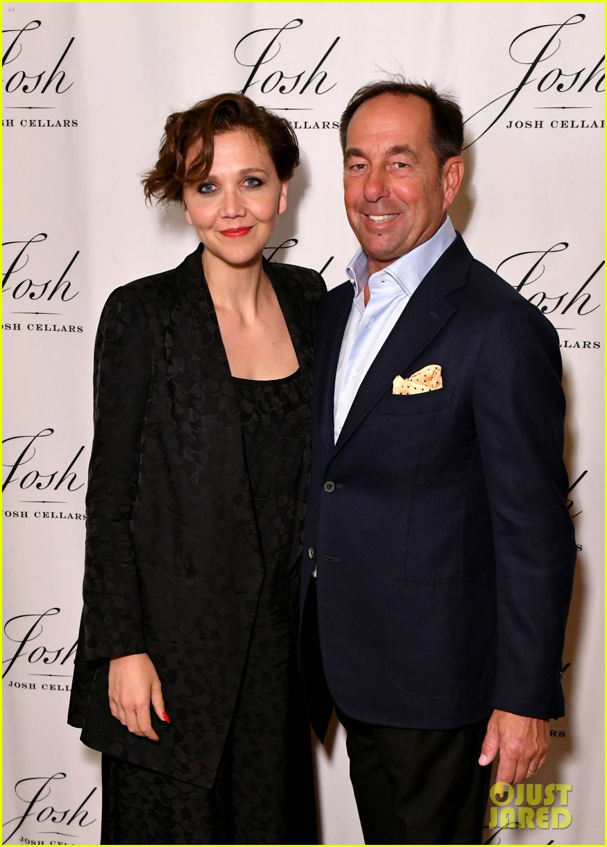 maggie gyllenhaal steps out for josh cellars fathers day event 104308384