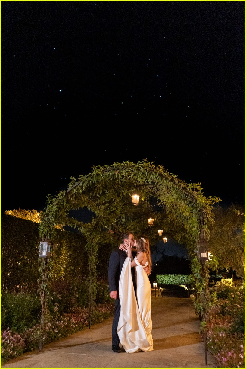 chris pratt katherine schwarzenegger more wedding photos 024307924