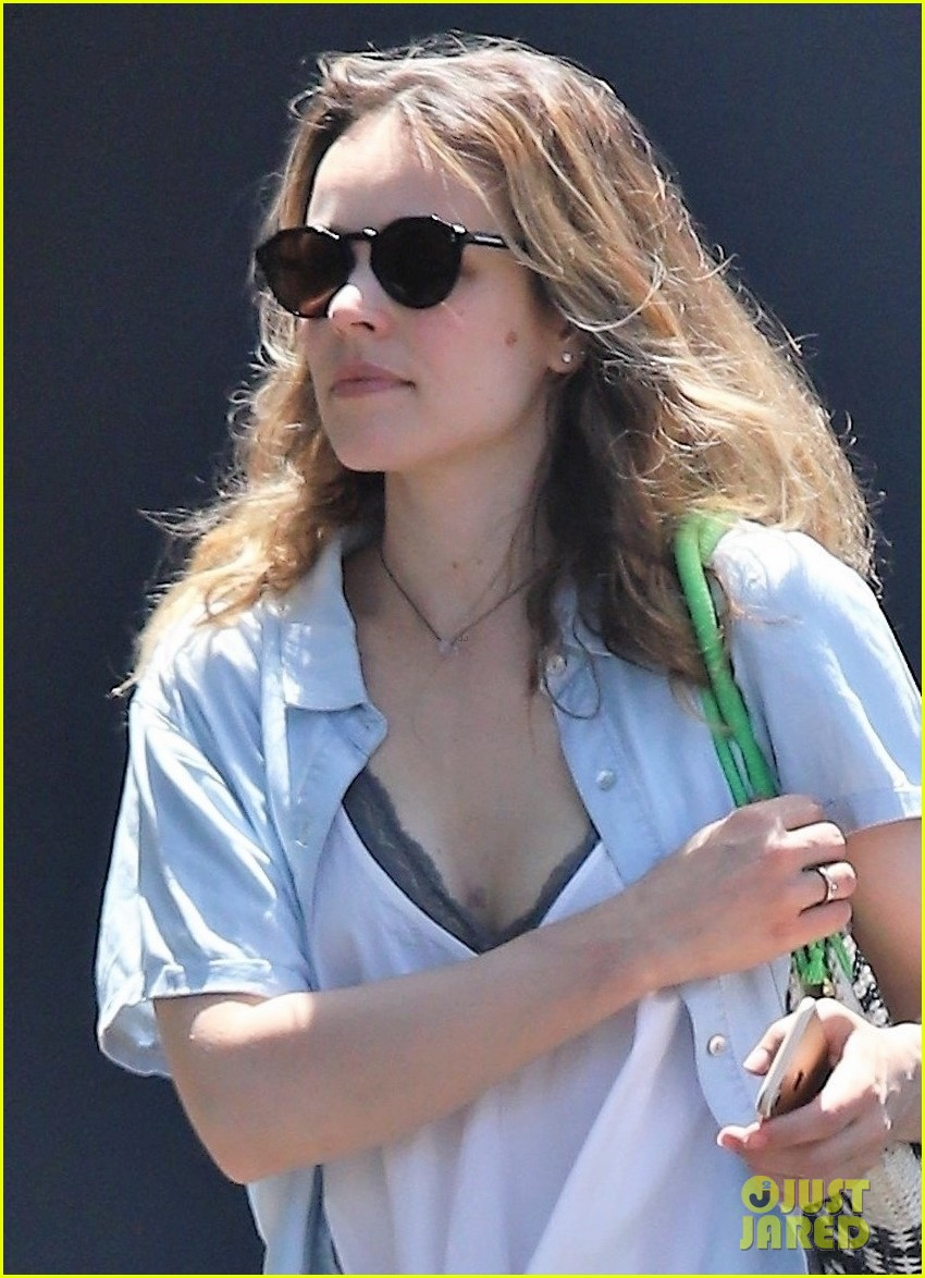 rachel mcadams makes rare public outing in la 024309036