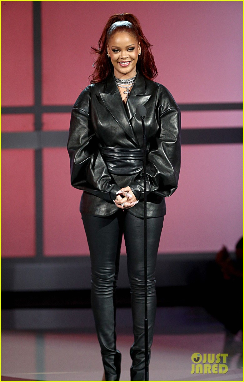 rihanna dons leather outfit for bet awards 014313173