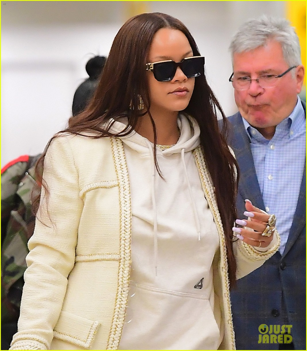 rihanna lands in new york after vacation 054305856