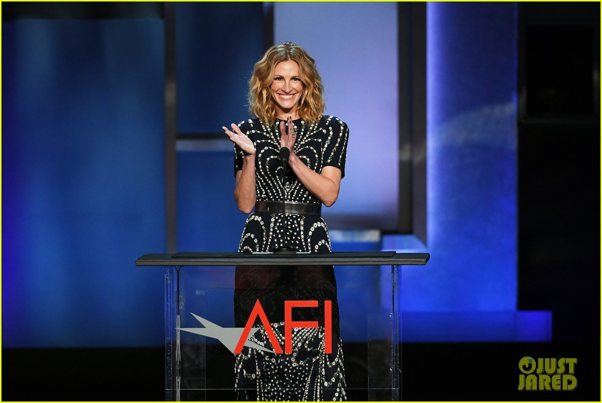 julia roberts jamie foxx hit the stage at denzel washingtons afi tribute 164305354
