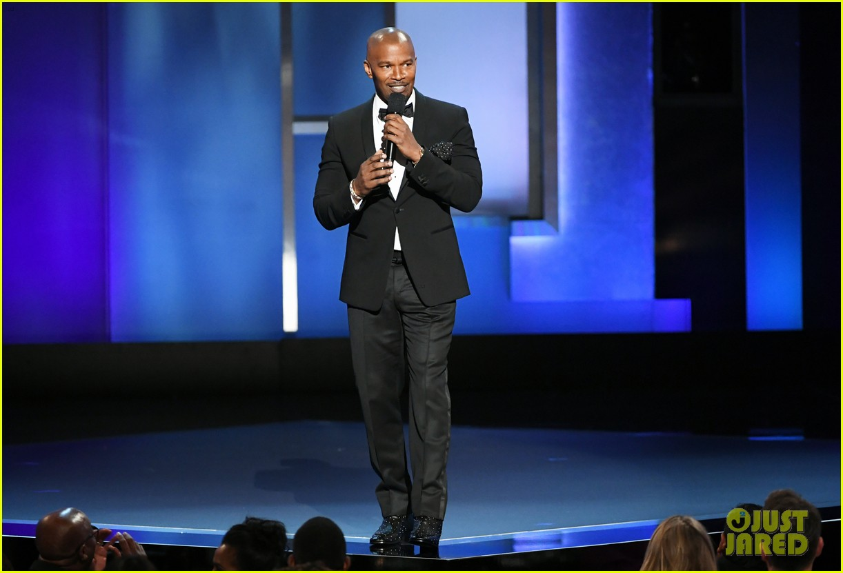 julia roberts jamie foxx hit the stage at denzel washingtons afi tribute 234305361